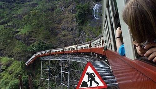 поезд несется к обрыву