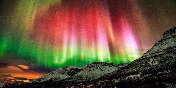 разноцветное полярное сияние